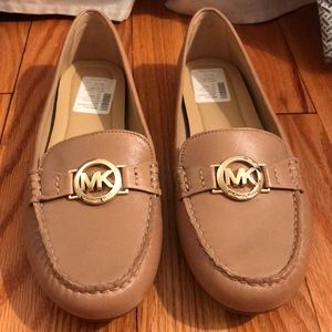 NWT Michael Kors Molly Leather Loafers